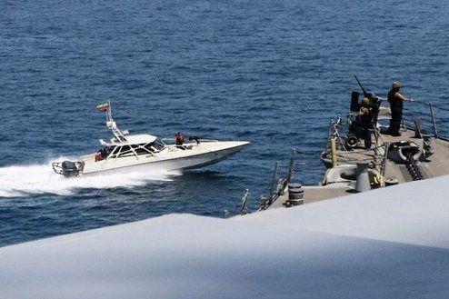 ادعای جدید آمریکاییها درباره اقدام شناورهای نظامی ایرانی در خلیج فارس