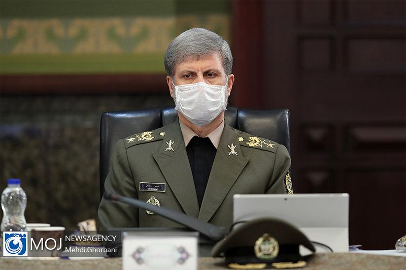 ایران به دلیل داشتن مرزهای آبی گسترده نیازمند نیروی دریایی مقتدری است