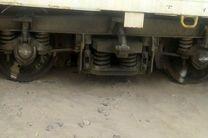 طوفان شن، قطار زاهدان-کرمان را از ریل خارج کرد