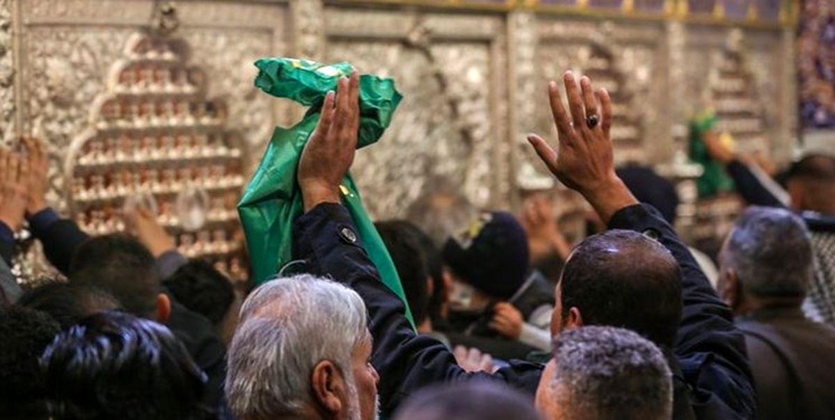 حضور زائران در جوار ضریح امامین جوادین(ع) پس از یک سال تعطیلی