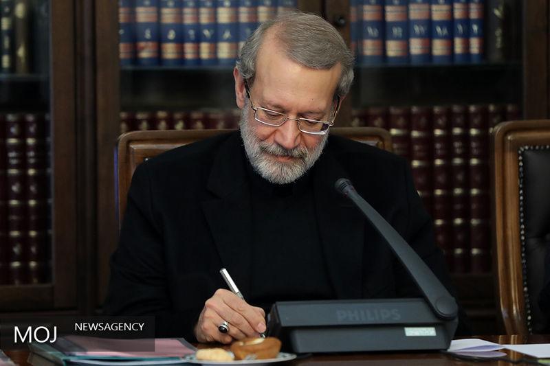 لاریجانی خواستار مداخله جهانی برای لغو تحریمهای ضدانسانی در بحران کرونا شد