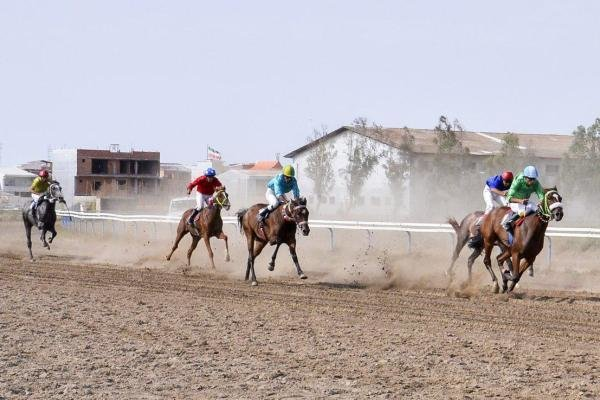 هفته نهم کورس اسبدوانی تابستانه بندرترکمن برگزار شد