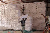 آتش گرفتن 2 انبار مواد غذایی در بندر الحدیده