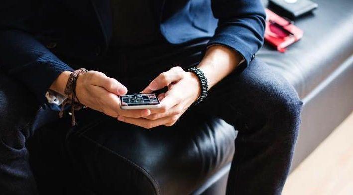 هرچه تنهاتر، آنلاین تر/ شبکه های اجتماعی یا شبکه های تنهایی!؟