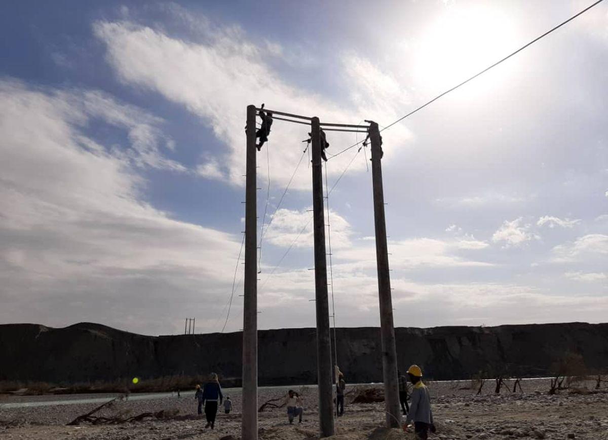 قطعی گذاری برق یک فیدر به علت وقوع زلزله در منطقه آوج قزوین