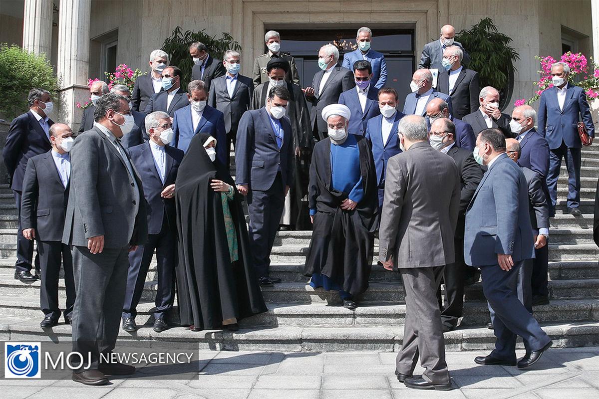 دستاورد دولت روحانی شکست رکود سی ساله تورم / چاپ پول تنها ابزار روحانی برای اداره کشور!