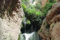 تسطیح و زیرسازی جاده مواصلاتی آبشار پیران با اعتبار 5 میلیار ریال