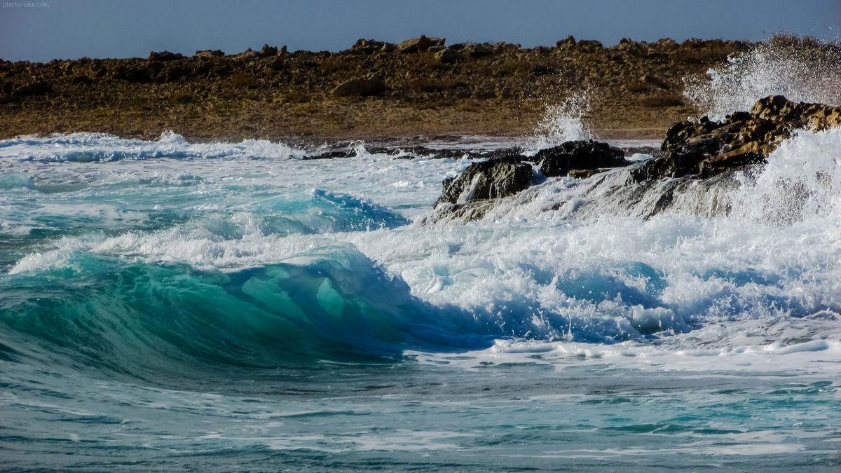 خلیج فارس و تنگه هرمز مواج است/ کاهش دمای هوا در هرمزگان