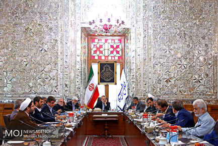دیدار روسای کمیسیون های مجلس با علی لاریجانی
