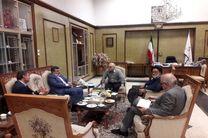 استاندار هرمزگان با وزیر امور اقتصادی و دارایی دیدار کرد