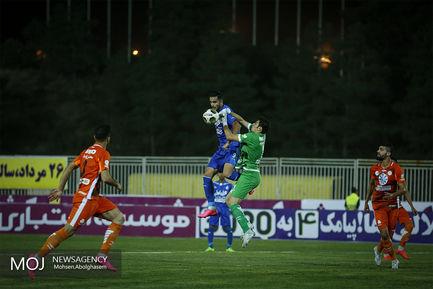 دیدار تیمهای فوتبال سایپا و استقلال تهران