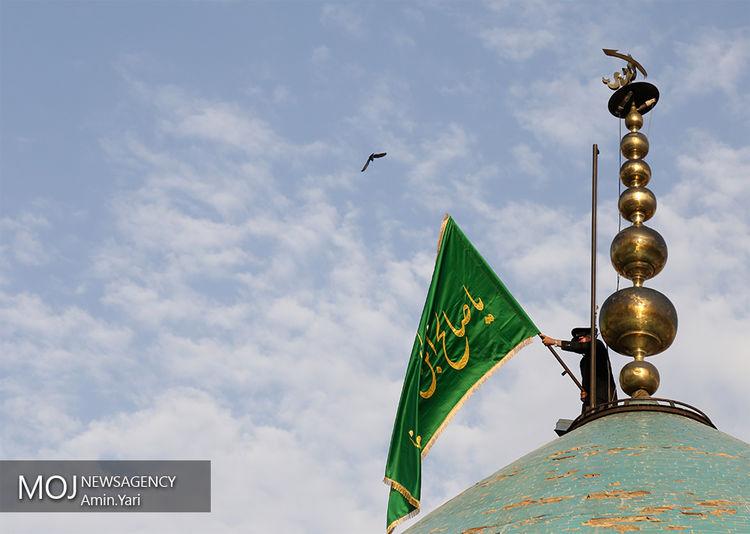 تعویض پرچم گنبد امامزاده صالح (ع) تجریش