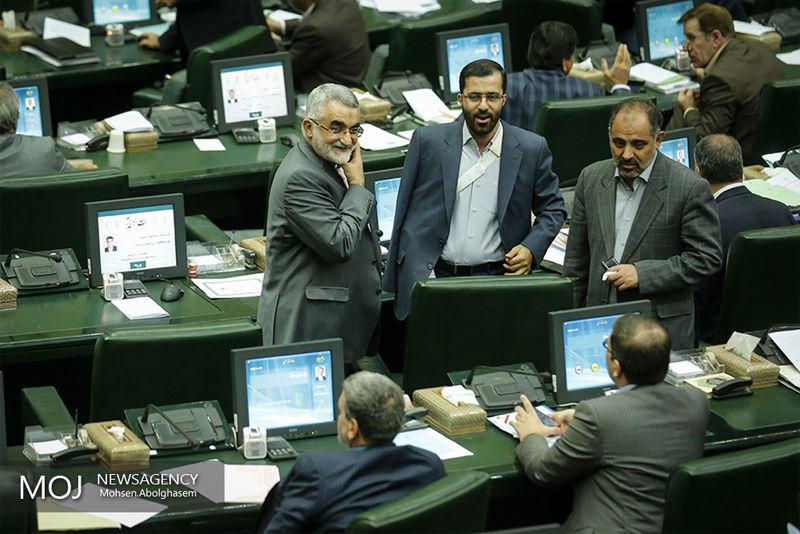 استیضاح آخوندی و ربیعی در دستور کار این هفته مجلس