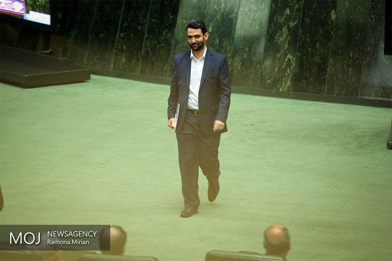 نخستین واکنش آذری جهرمی پس از دریافت کارت زرد از مجلس