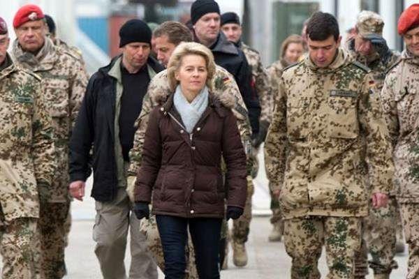 وزیر دفاع آلمان وارد مزار شریف شد