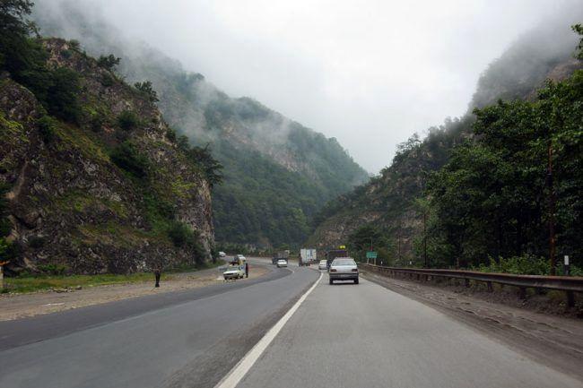 بارش باران در جاده های شمالی کشور