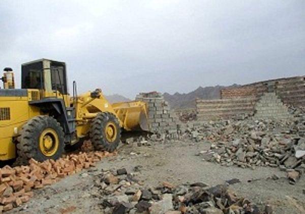 رفع تصرف ۳ هکتار زمین ملی در پارسیان