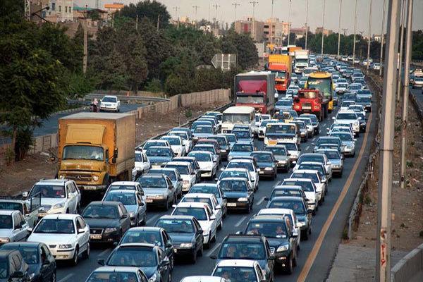 ترافیک در محور چالوس و آزادراه کرج سنگین است