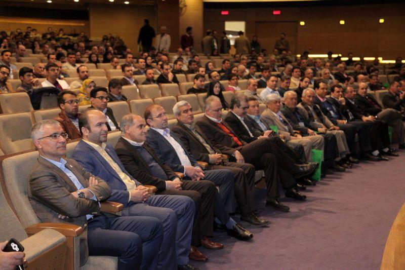 بسیاری از مهندسان مطرح کشور با ذوب آهن اصفهان زندگی کرده اند