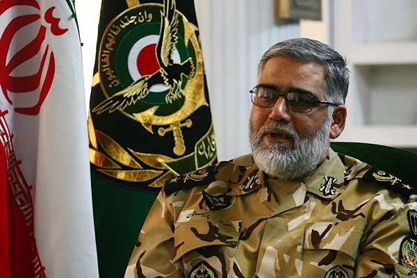 جانشین فرمانده کل ارتش از پایگاه شهید عبدالکریمی بازدید کرد