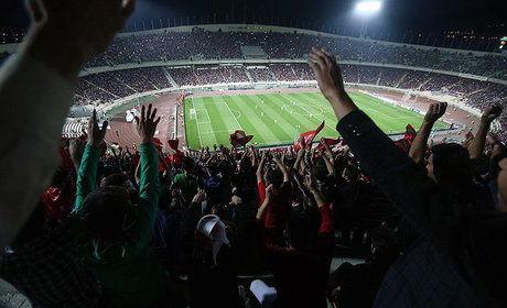 پخش بازی فوتبال ایران و اسپانیا در ورزشگاه آزادی