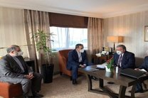 دیدار عراقچی با رئیس هیئت دیپلماتیک روسیه در وین