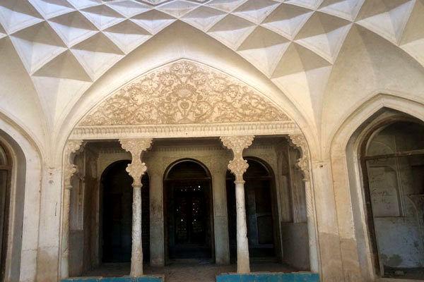 عمارت شترگلوی ماهان به بخش خصوصی واگذار می شود
