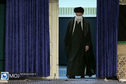 عزاداری شب تاسوعای حسینی با حضور مقام معظم رهبری