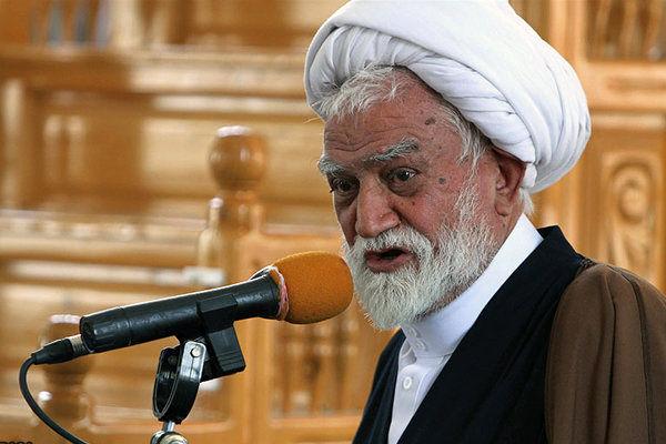 مردم از خرید های غیر ضروری خودداری کنند/ ملت ایران از روزه گرفتن ترسی ندارد