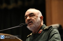 بدخواهان نظام و ملت ایران به شدت علاقهمند هستند تا ما را بشکنند