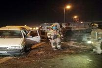 تصادف یک دستگاه خاور و دو خودروی سواری در بزرگراه آزادگان