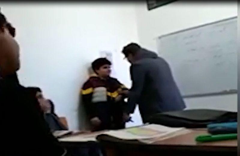 کلیپ رفتار تحقیرآمیز یک معلم با دانش آموز بوشهری