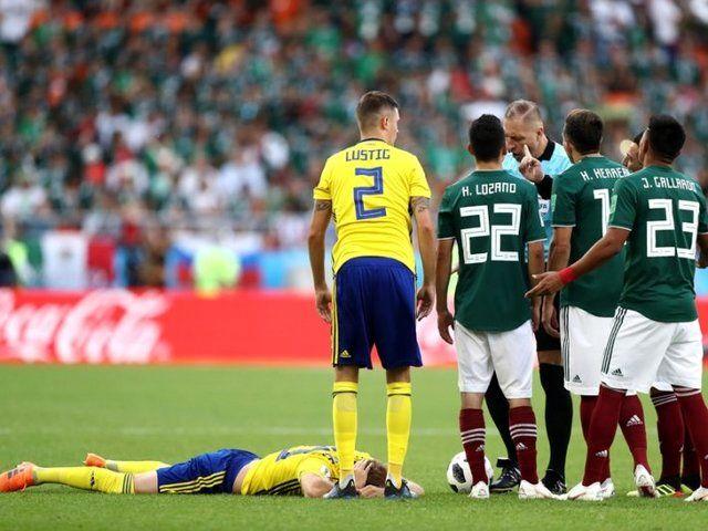 تساوی مکزیک و سوئد در نیمه نخست