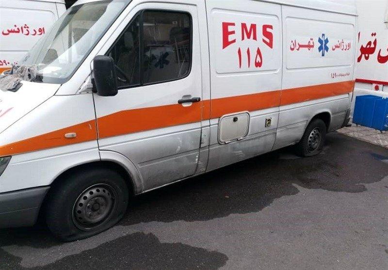 جزییات واژگونی یک آمبولانس در خیابان طالقانی تهران