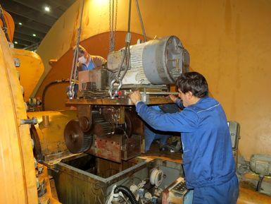 تعمیرات اساسی واحد اول ۳۲۰ مگاواتی نیروگاه اصفهان