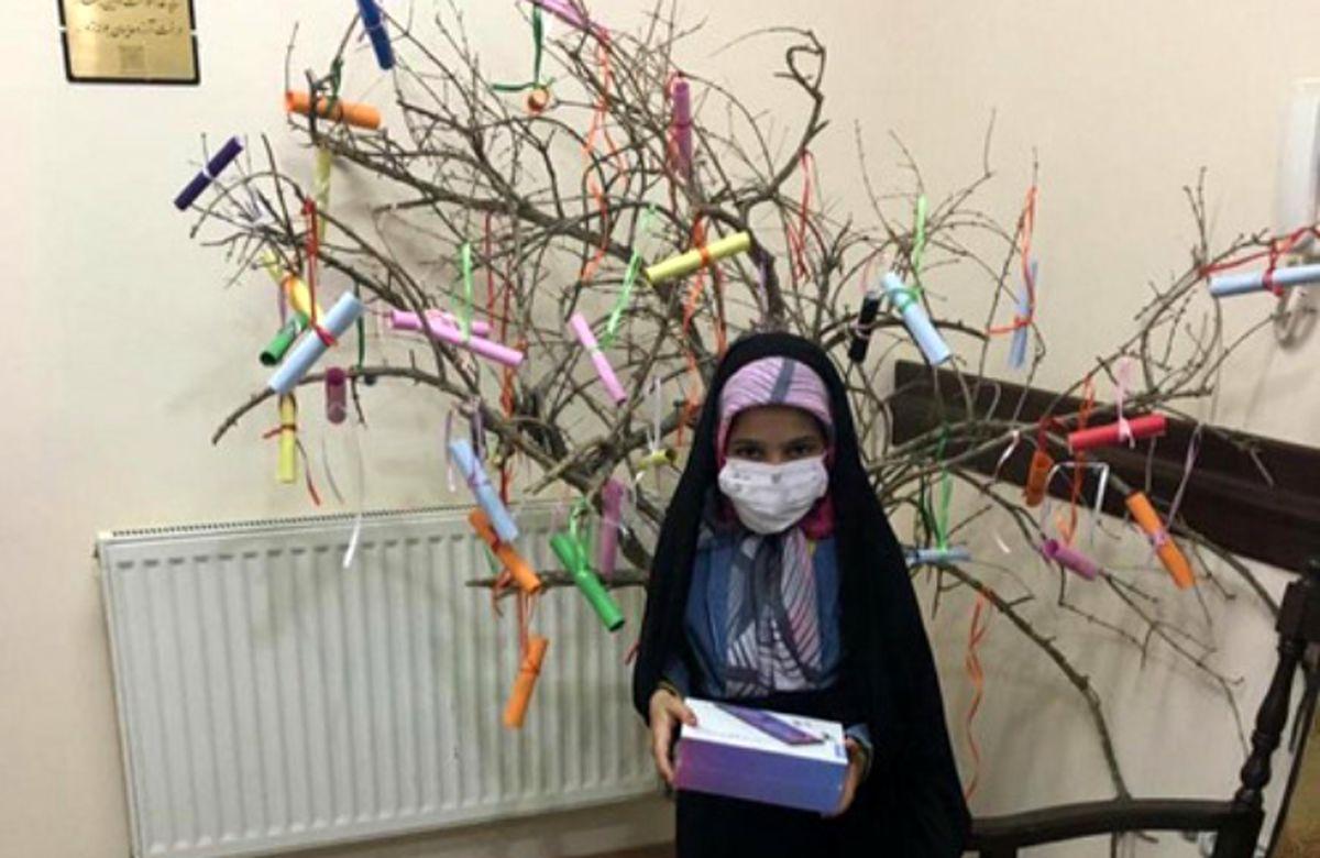 درخت آرزوها در انجمن حمایت زندانیان یزد به ثمر نشست