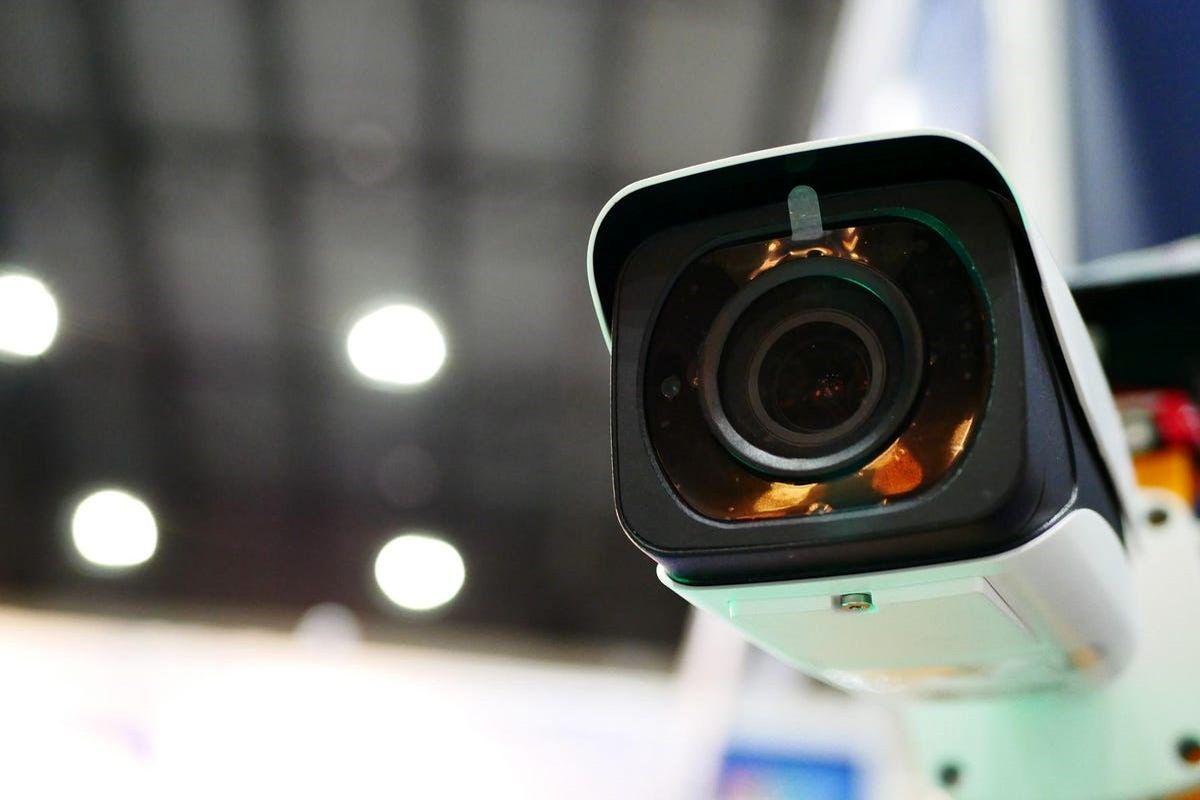 تامین امنیت با دوربین مداربسته هایک ویژن از پرشیاسیستم