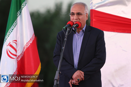 رونمایی از تندیس سلمان فارسی در اصفهان