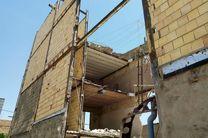 ریزش ساختمان سه طبقه در کرج/۴ نفر مصدوم شدند