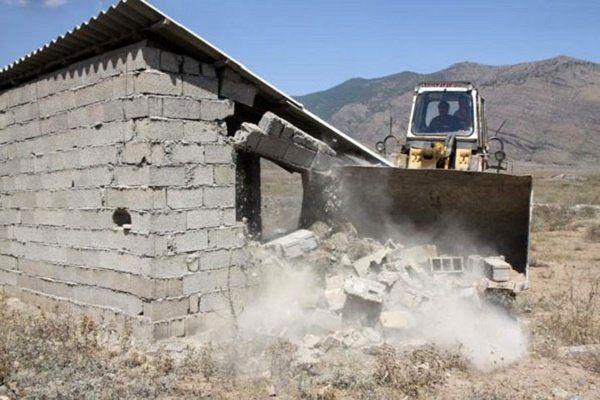 همه ساخت و سازهای غیرمجاز باید تخریب شوند