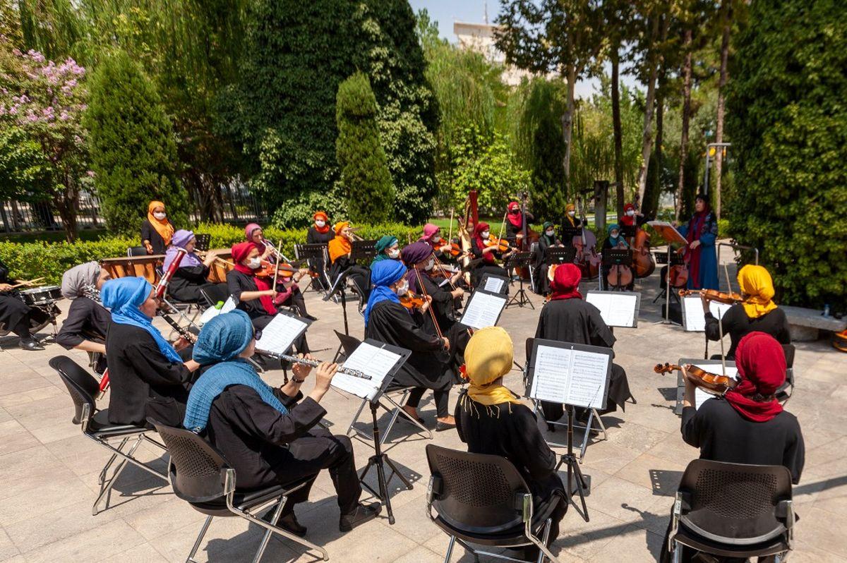 ارکستر سمفونیک بانوان سمفونی شهرزاد را اجرا کردند/ادای احترام سرزمین مادری به کادر درمان +ویدئو