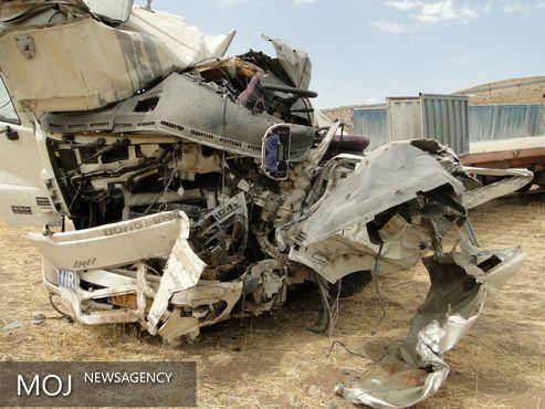 واژگونی تریلر و مرگ راننده در خرمآباد