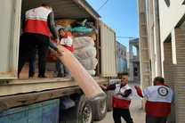 ارسال 2 دستگاه تریلر کمک های مردمی شعب منطقه جنوب هلال احمر استان اصفهان به مناطق سیل زده در سیستان