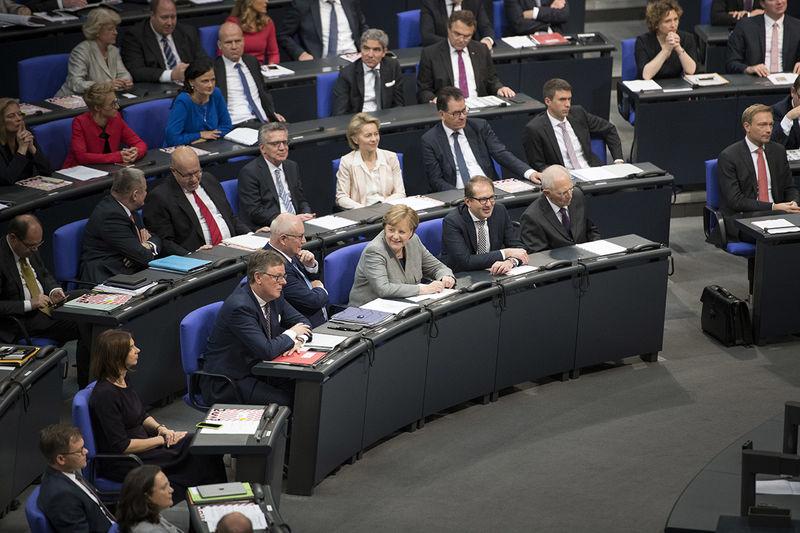 احتمال تشکیل دولت ائتلافی آلمان تا پایان سال 2017