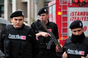 پلیس ترکیه، یک خودرو را به ظن حمل جسد جمال خاشقچی محاصره کرده است