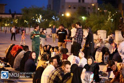 افطار ساده در بوستان آب و آتش تهران