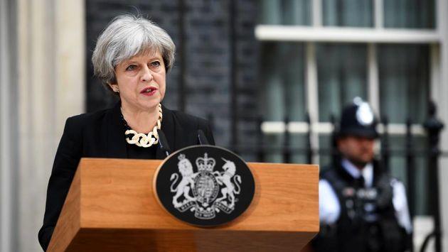 انتقاد نخست وزیر بریتانیا از انفعال واشنگتن در زمینه کنترل سلاح