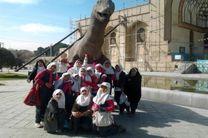 حضور کودکان در بناهای تاریخی استان به مناسبت روز جهانی کودک
