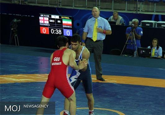 عنوان پنجمی دستارود ایران از روز نخست مسابقات کشتی فرنگی جوانان