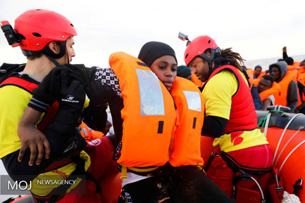 نجات بیش از ۱۵۰۰ مهاجر غیرقانونی در دریای مدیترانه